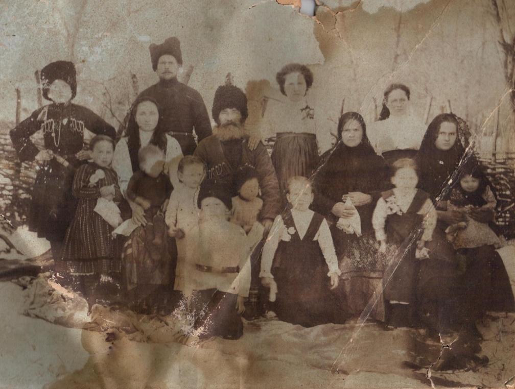 Казачья семья Полтавец (ст. Анапская)